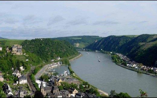 Blick auf den Rhein vom Rheinburgenweg in RLP Deutschland