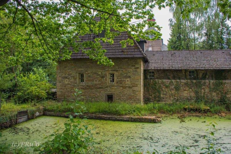Schloss_Hugenpoet (1)