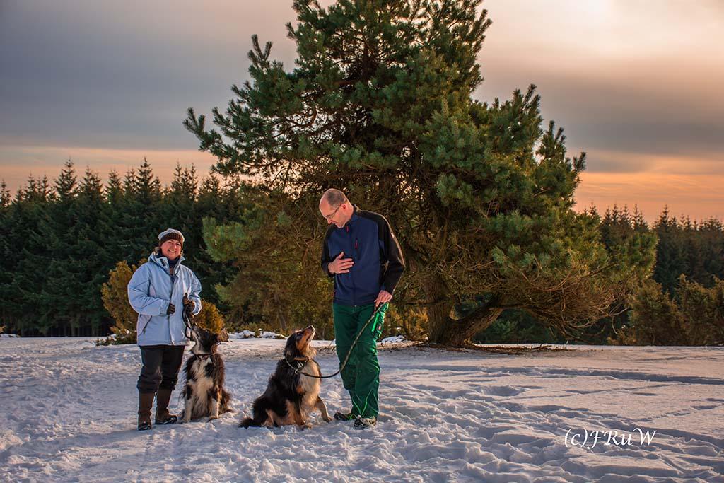 Volker und Alex mit den Hundis - Schneelandschaft in Arft