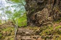 Wunderschöne Felswege im Bodetal. Schon die Farbe des Felsens spricht meine romantische Ader an
