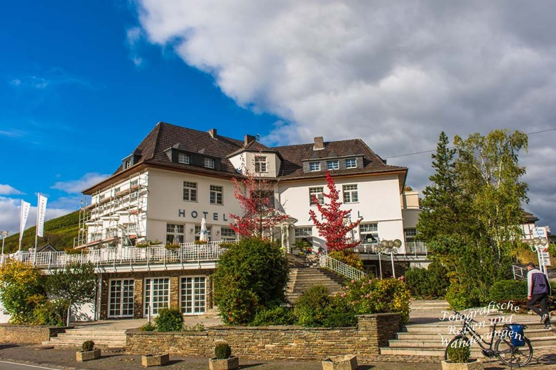 Attraktive Lage des Hotels, nahe der St.-Johannes-von-Nepomuk Brücke