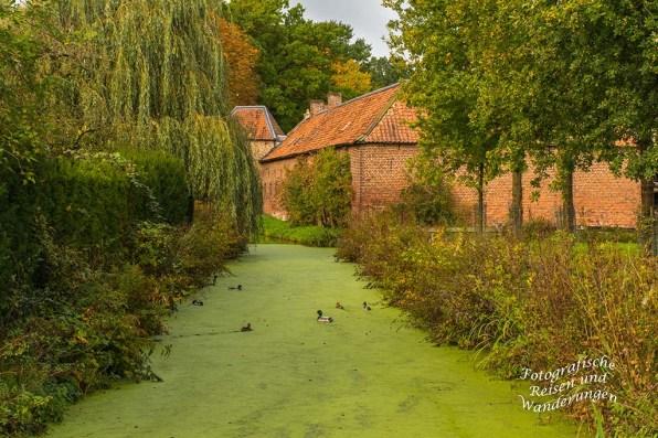 Der Burggraben am Kasteel de Borggraf