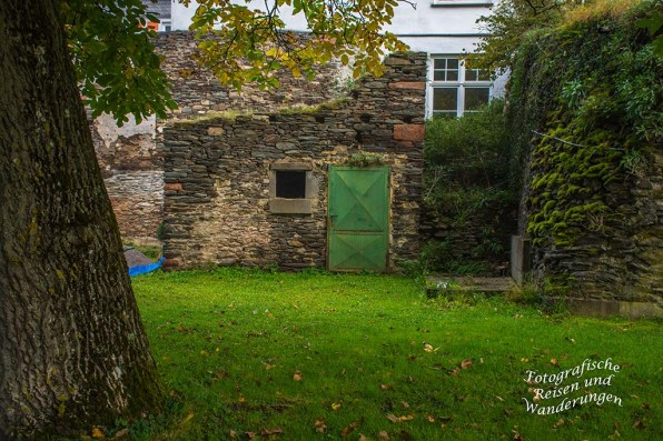 Mauern aus Naturstein in Veldenz