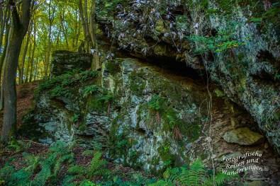 Das Kalmbachtal mit imposanten Felsen