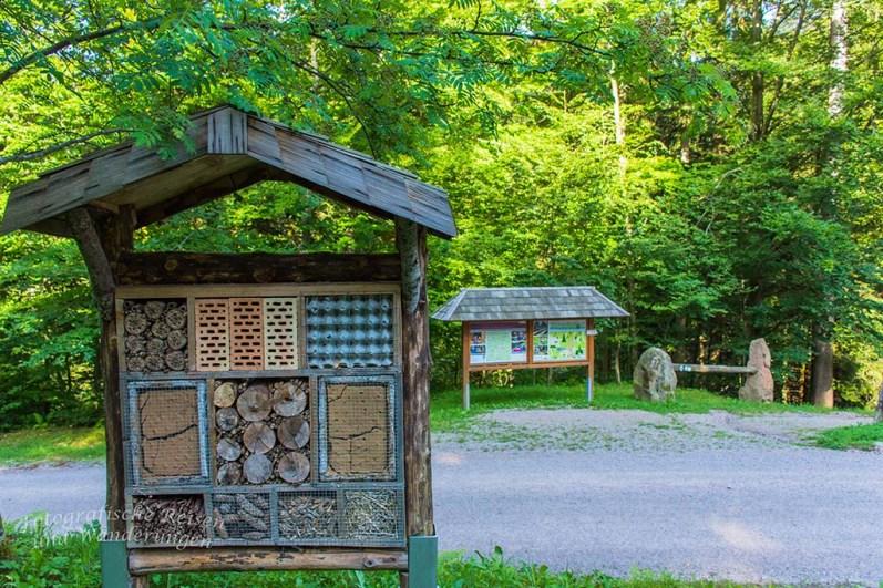 Ein großes Bienenhaus soll Flieger anlocken