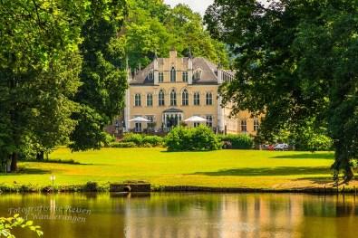 Blick auf Schloss Sayn
