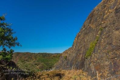 Hohe Felswand an der Saffenburg