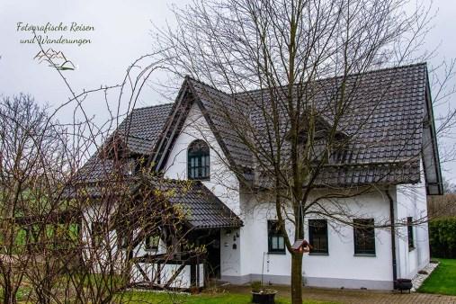 Hübsche Häuser in wundervoller Landschaft