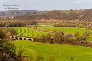 Blick auf die Sieg und die Eisenbahnbrücke