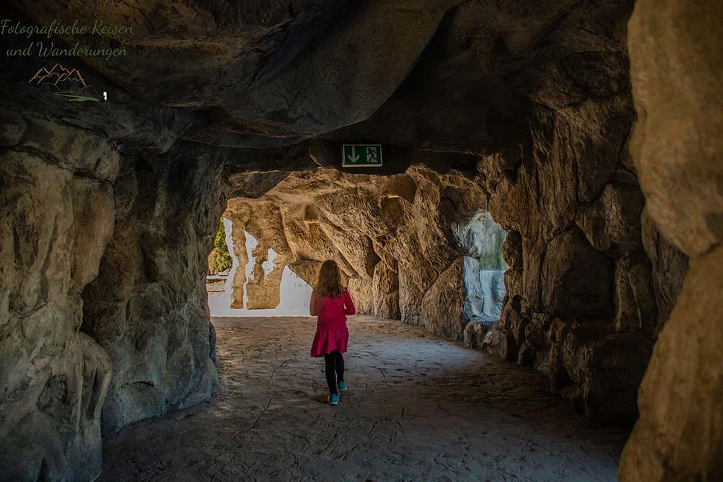 Ein Tunnel aus Stein