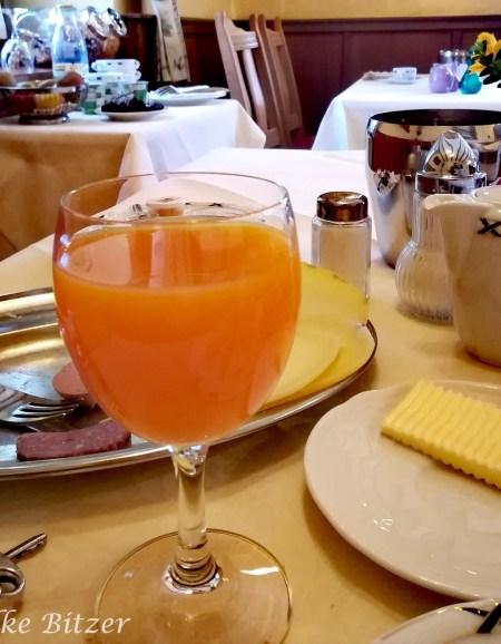 Frühstück im Gut Marienbildchen- Eifelsteig Etappe 1