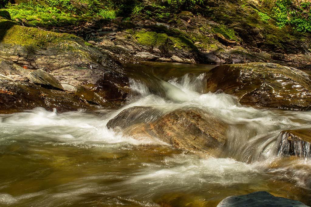 Wasser über Stein - Wandern an der Wilden Endert