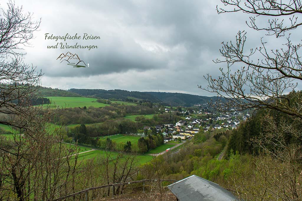 Blick auf Olef - Eifelsteig zwischen Gemünd und Kloster Steinfeld