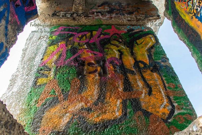 Buntes Graffiti an der Himmelstreppe