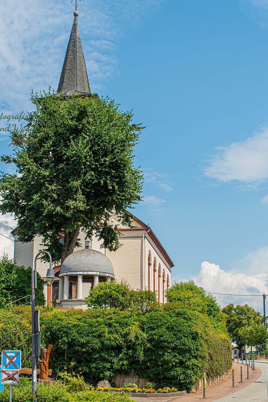Kirche in Schalkenmehren