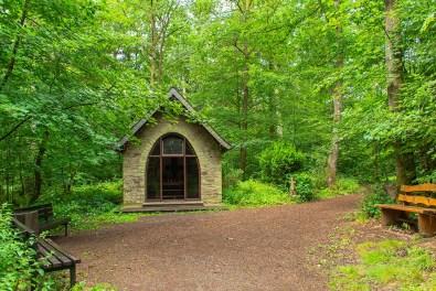 Wehrbüschkapelle - Der Eifelsteig und die Maare