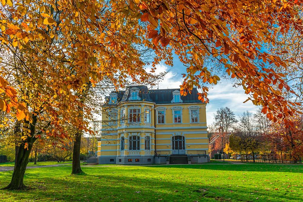 Villa Erckens im Herbst