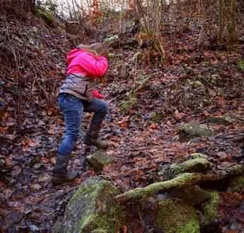 Julia auf steilen Wegen