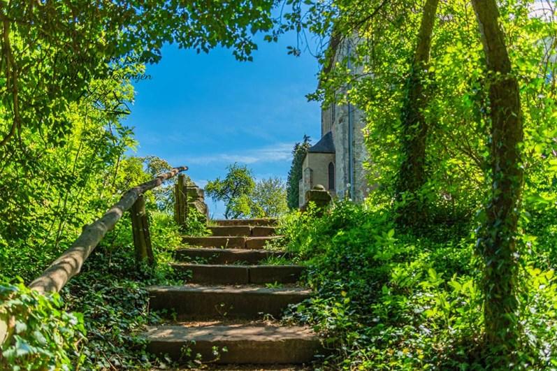 Treppe zum Garten der Stille