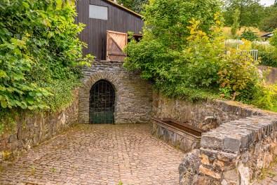 Brunnen in Prosterath