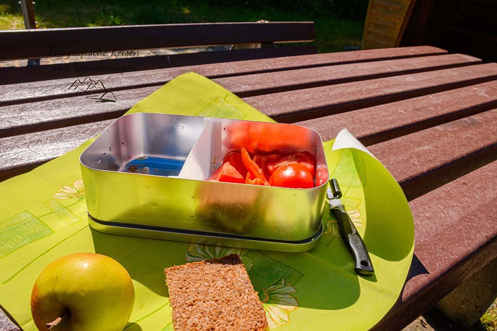 Frühstückstisch im Freien