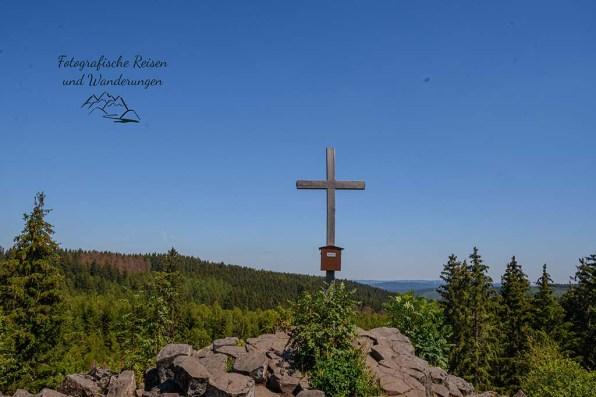 Trödelsteine mit Gipfelkreuz