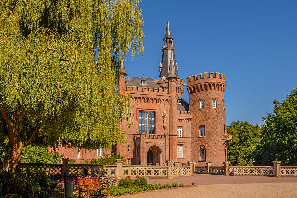 Noch einmal Schloss Moyland von vorne