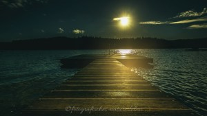 Brücke an derBevertalsperre im Sonnenaufgang