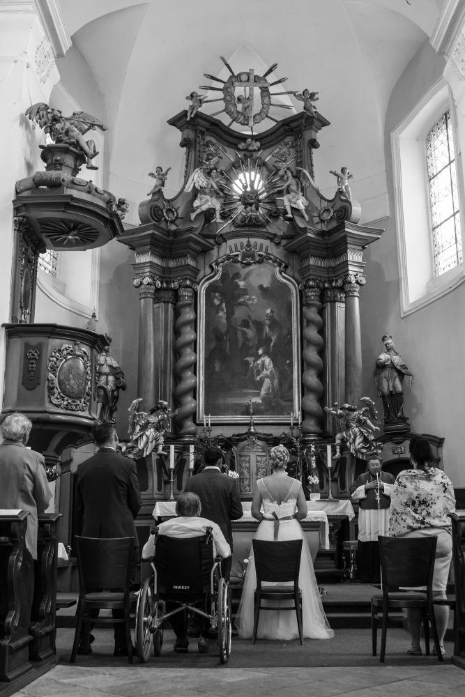 svatba-v-kostele