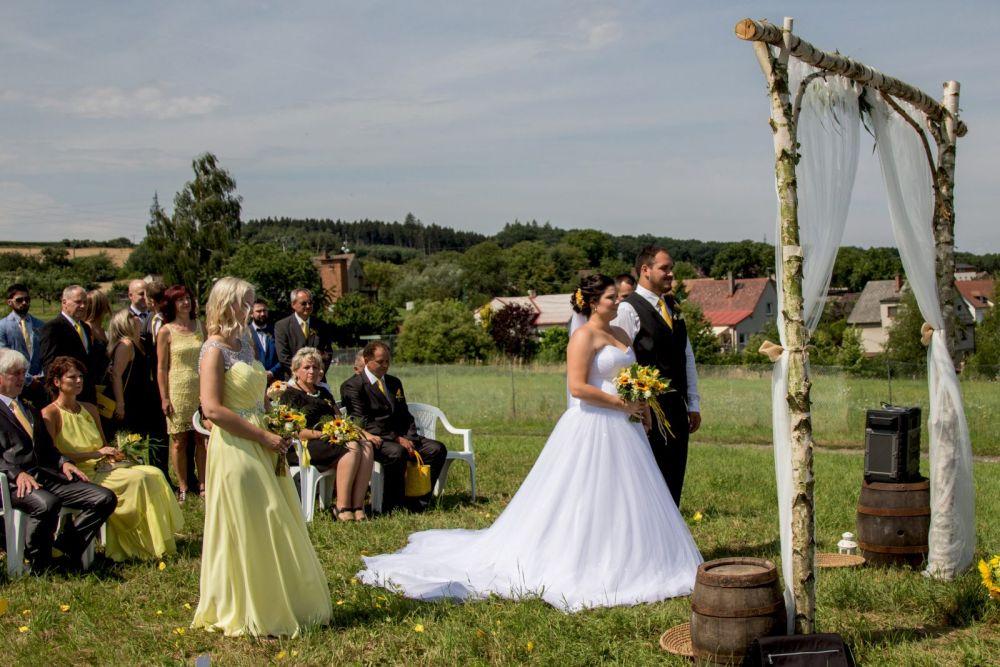 svatebni-fotograf-louka