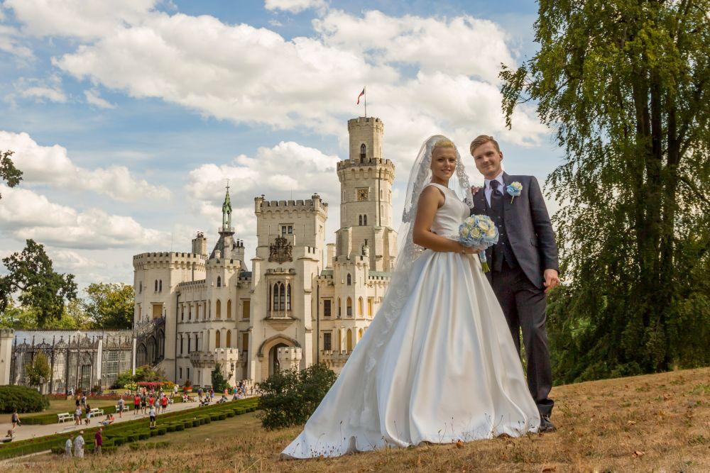 svatebni-par-zamek