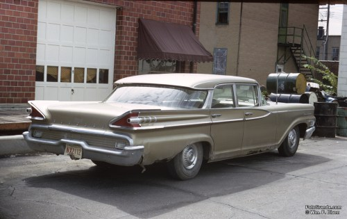 The 1959 Mercury battlewagon, a Monterey. Photo © William P. Diven. (Click to enlarge)