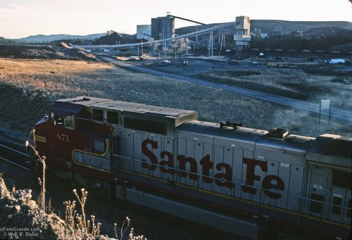 Loading coal on the Santa Fe Railway at York Canyon, New Mexico.