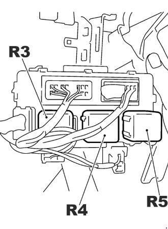 Схема предохранителей и реле Nissan X-Trail T30 (2001-2007