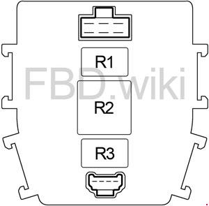 2003-2004 Infiniti M45 (Y34) Fuse Box Diagram