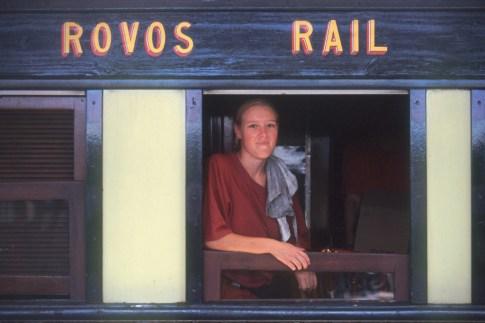 Sudáfrica, tren Rovos Rail, Pretoria, Limpieza de los vagones de pasajeros, retrato