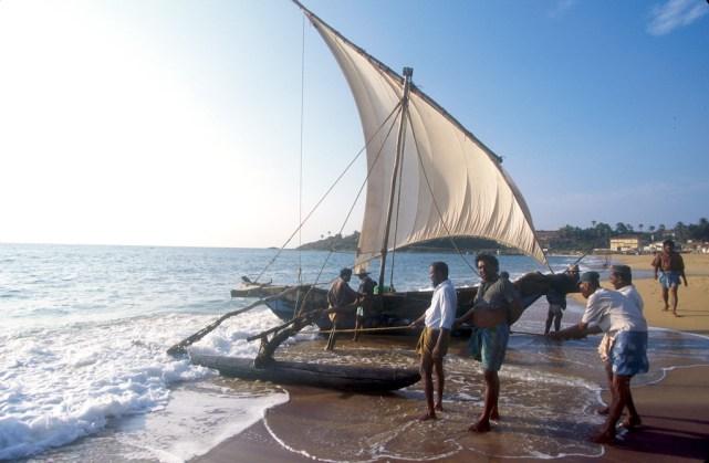 Sri Lanka, Hambantota, llegada de los pescadores