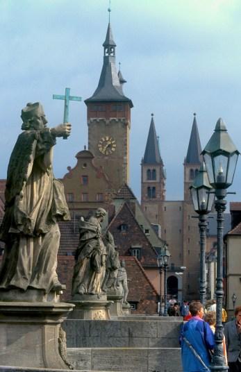 Alemania, Brandenburgo, Wurtenburgo, puente viejo
