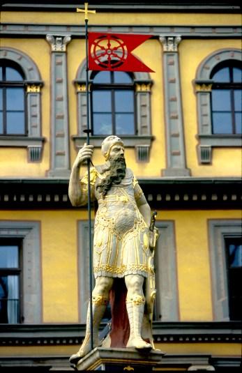 Alemania, Turingia, Erfurt, casa del pescador, estatua de Rolando, escultura