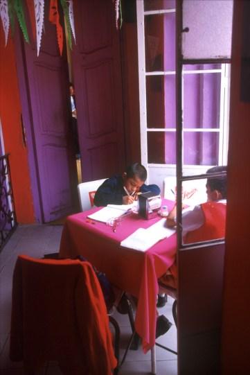 México, Estado Puebla, Cholula, haciendo los deberes