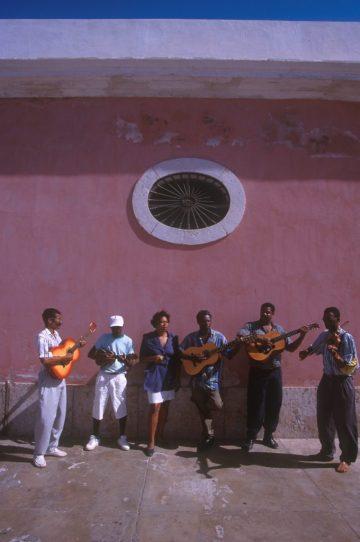 Cabo Verde, Isla Santiago. Portal centro cultural, música Criolla, grupo del centro