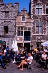 Bélgica, Flandes, Gante, Muelle de las Hierbas, casas de los Gremios, Terrazas