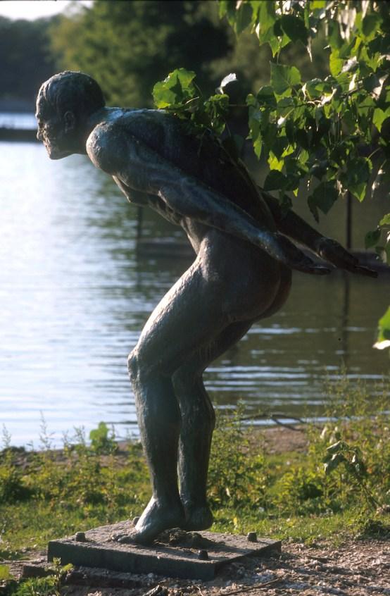Alemania, Baja Sajonia, Hannover, Lago Mascase, escultura