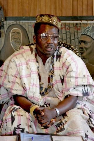 Camerún, Dschang, Chefferie, Rey Victor Kana III