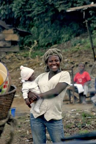 Camerún, Melong, Monte Manengouba, maternidad