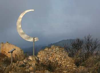 Catalunya, Terra Alta, Corbera D´Ebre, Abecedario de la Libertad.escultura