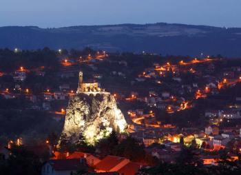 Auvernia, Puy-En-Velay, Roca de la Aguja, Iglesia St. Miguel de la Aguja