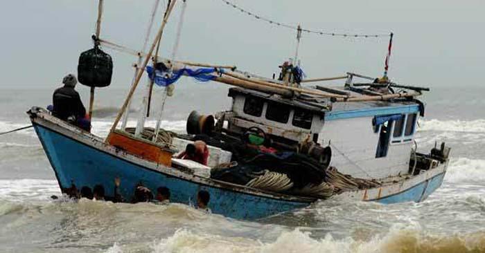 Nelayan dari Desa Lontar Tenggelam saat Melaut
