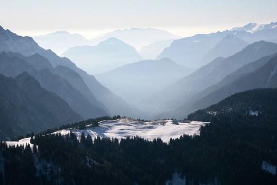Kalnai tolimieji