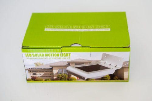стенен аплик с датчик за движение и соларен панел